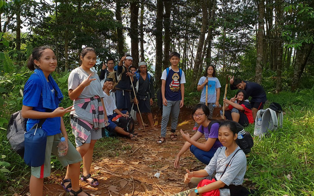 Bogor Montessori School Students Visit the Baduy Tribe of Indonesia